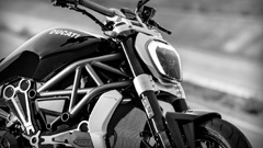 XDiavel-s_04_Small-240x135_1_240x135